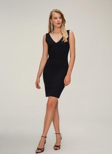 NGSTYLE V Yaka Askılı Elbise Siyah